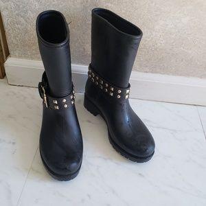 Modern Rush raining boots